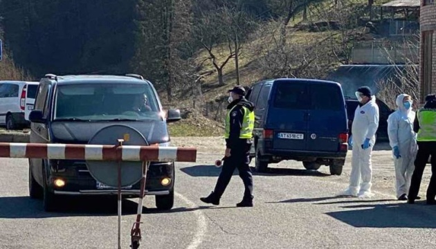 Полицейские мобильные группы будут проверять количество пассажиров в транспорте