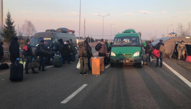 За сутки из Польши вернулись около 15 тысяч украинцев