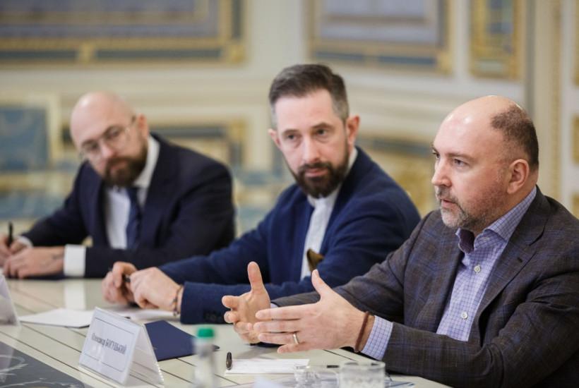 Зеленский обсудил запуск образовательного проекта для школьников с руководителями телеканалов