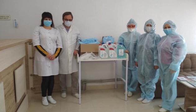 Волонтеры из Варшавы собирают помощь украинским медикам