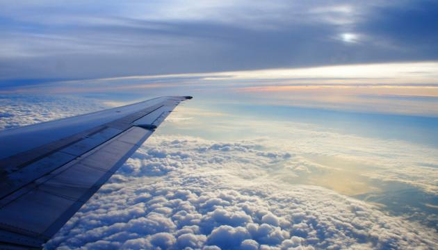 Президент анонсировал прибытие в Украину еще 11 самолетов с медоборудованием