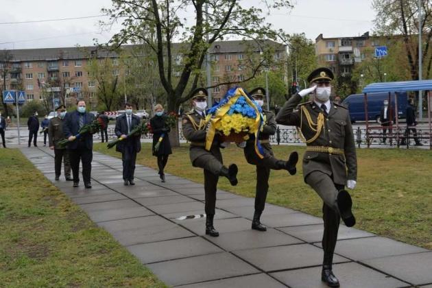 Руководство Рады почтило память ликвидаторов Чернобыльской катастрофы