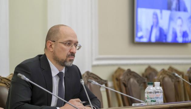 До 11 мая нужно увеличить количество тестирований и обеспечить больницы - Шмыгаль