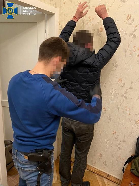 СБУ блокировала схему переправки и легализации иностранцев в Украине