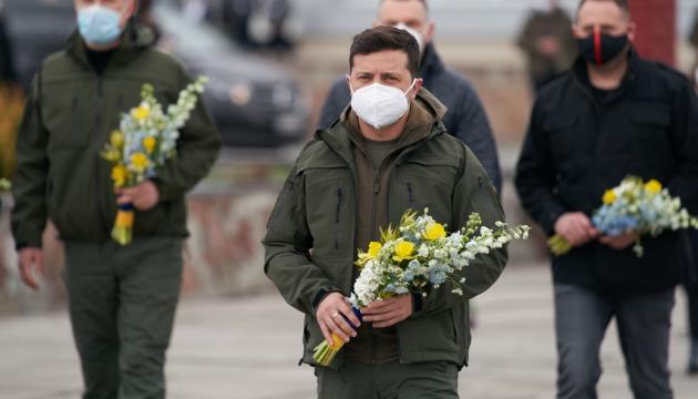 Президент почтил память ликвидаторов аварии на ЧАЭС