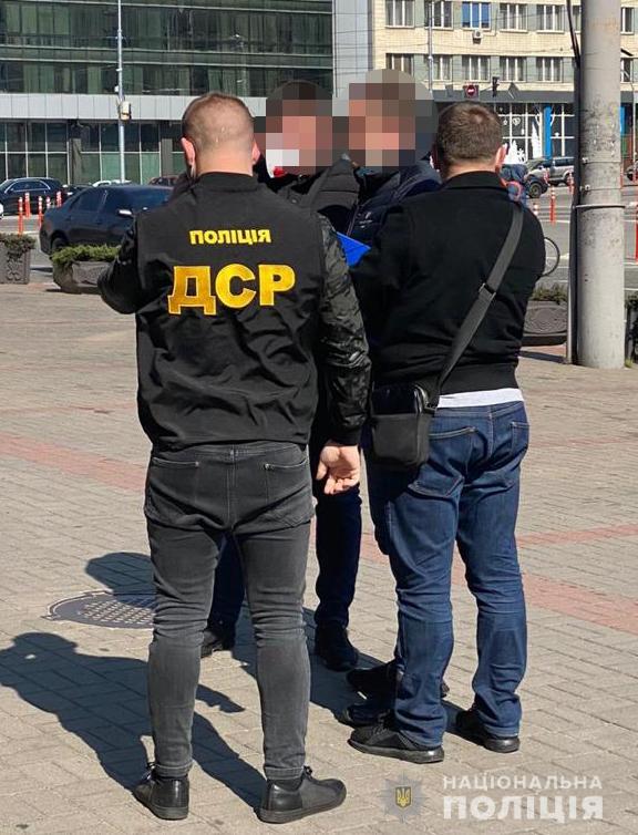 """Фейковый чиновник ОП """"продавал"""" за $200 тысяч должность в госагентстве"""