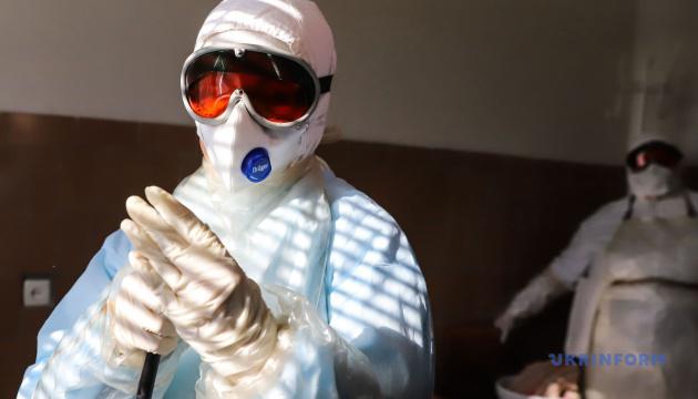Ляшко объяснил, почему не всех медиков тестируют на коронавирус