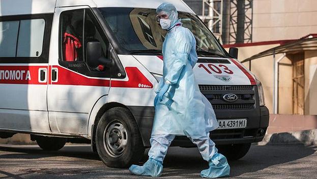 Защитные костюмы для медиков: в Минздраве объяснили, почему не покупают украинское