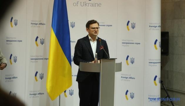 В Украине сегодня ожидают самолет с гумпомощью от ОАЭ – Кулеба
