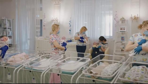 """Денисова рассказала о судьбе малышей от суррогатных матерей из отеля """"Венеция"""""""