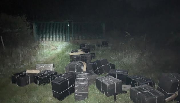 Пограничники пресекли попытку контрабанды сигарет и обнаружили ее организатора