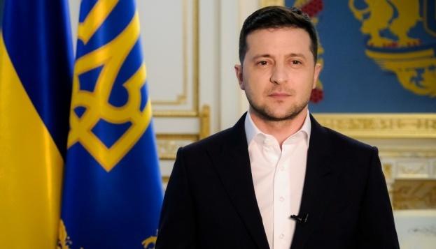 Зеленский поздравил украинок с Днем матери