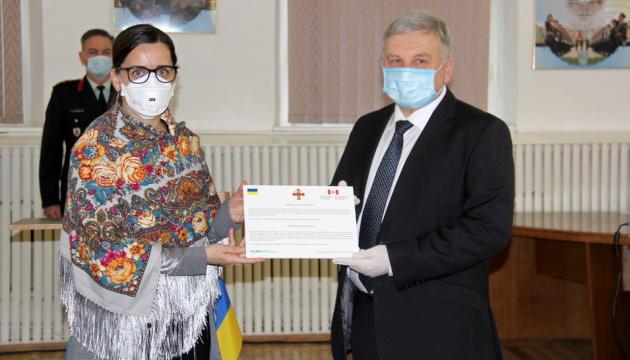 Канада и ООН передали украинской армии аппараты ИВЛ