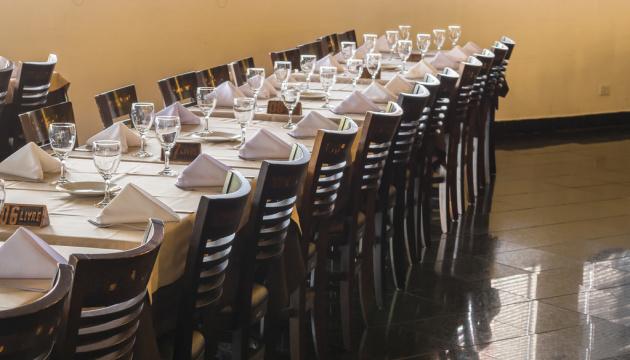Рестораны и кафе могут полноценно заработать с 10 июня - Степанов