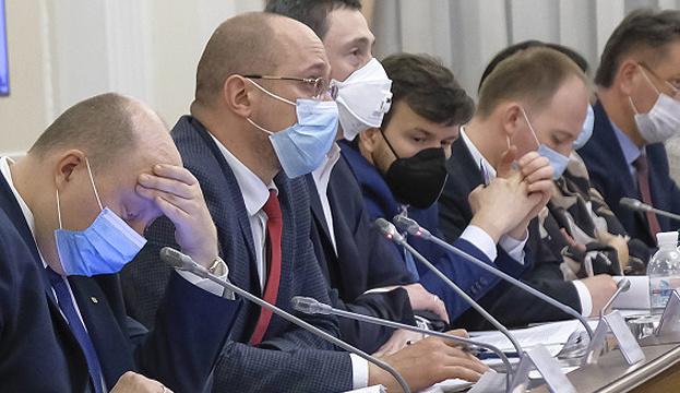 """Украина приближается к """"умеренному плато"""" с распространение COVID-19 – Шмыгаль"""