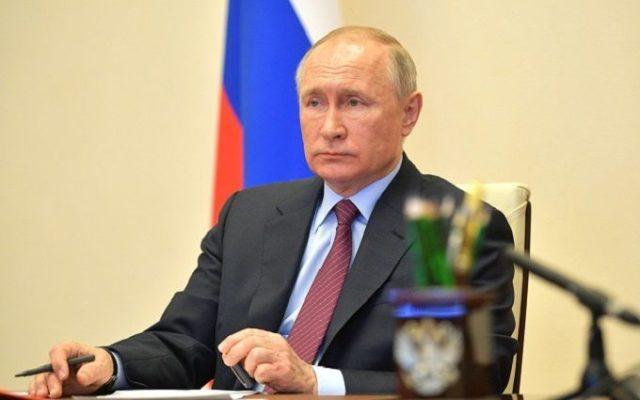 Владимир Путин озадачен.
