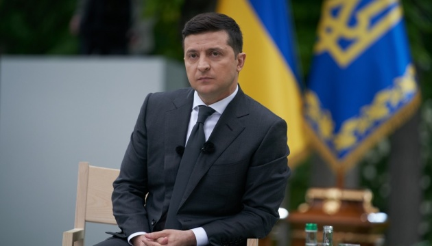 Как украинцы оценивают год работы Зеленского на посту Президента