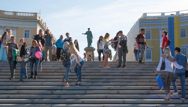 «Внутренний» туристический сезон 2020: дешево, но добраться без автомобиля трудно