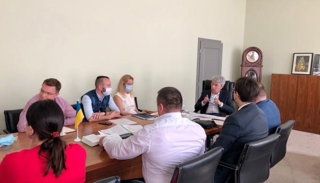 Ткаченко поручил подготовить документы для выделения Довженко-Центра 8,6 миллиона