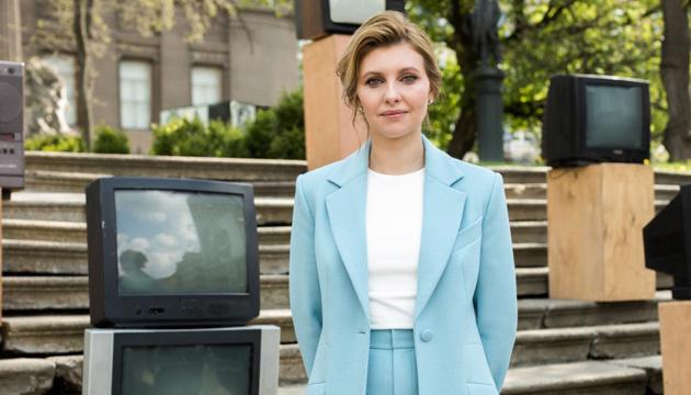 Елена Зеленская выздоравливает, но продолжает принимать антибиотики - ОП