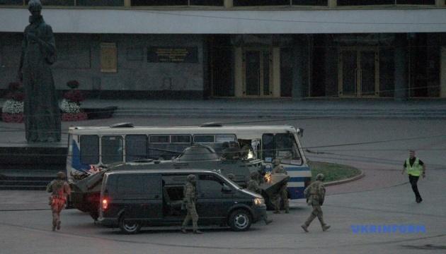 Среди освобожденных заложников нет раненых, других взрывных устройств террорист не заложил — МВД