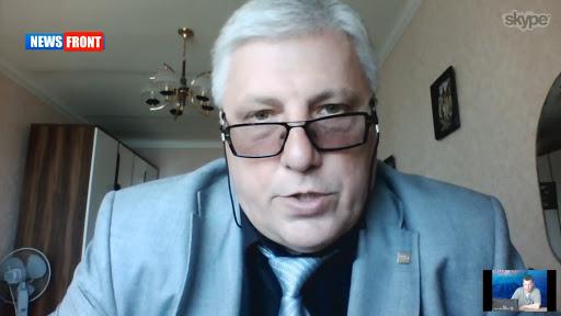 Роман Манекин