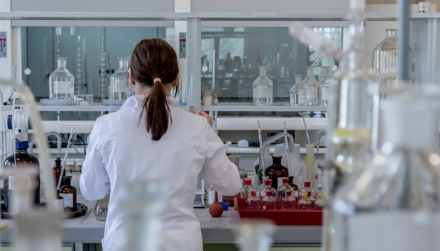 Эксперт рассказал о мировых разработках вакцин против COVID-19