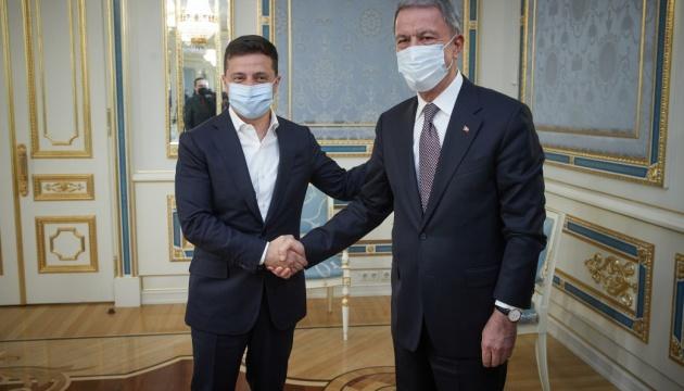 Зеленский поблагодарил Турцию за поддержку во время пандемии и наводнения