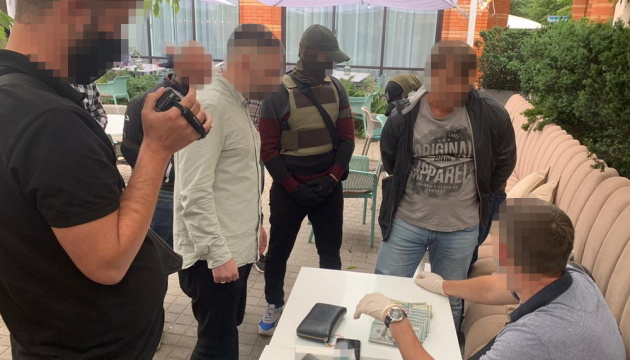 """СБУ задержала фигуранта """"пленок Ермака"""" на взятке в $100 тысяч"""