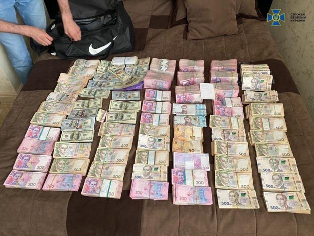 За полгода СБУ разоблачила 372 должностных лица, совершивших преступления