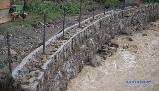 Кабмин предлагает Раде выделить еще 2 миллиарда на преодоление последствий наводнений
