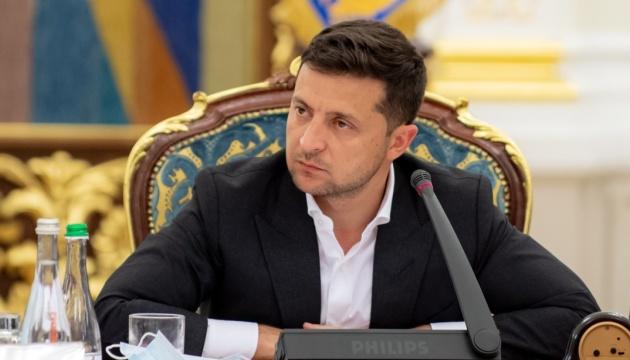 """Зеленский просит глав церквей помолиться """"за такую желанную тишину"""" на Донбассе"""
