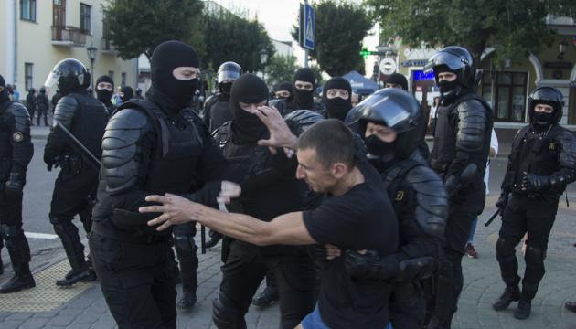 Украинский ПЕН призвал правозащитников усилить давление на власти Беларуси
