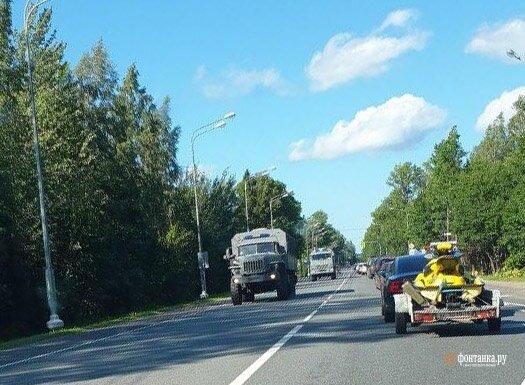 Колона автозаков в РФ