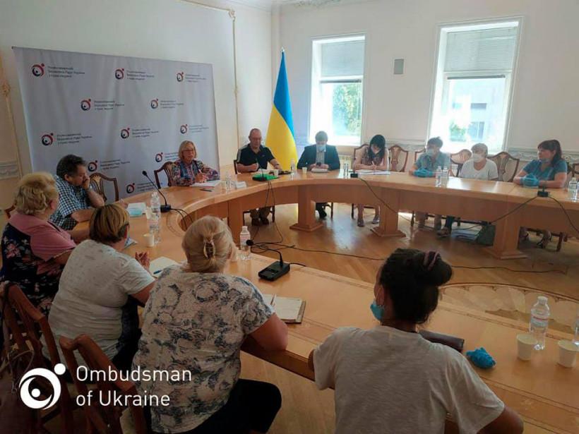 Денисова встретилась с матерями военных, которые считаются пропавшими без вести