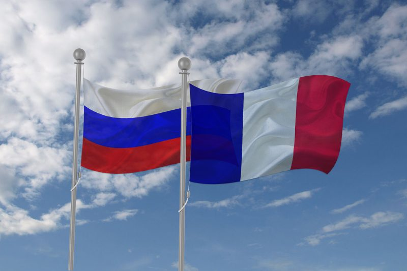 Флаги России и Франции