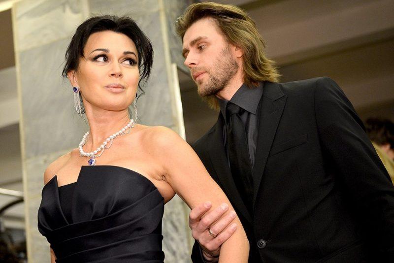 Анастасия Завоотнюк и Петр Чернышев