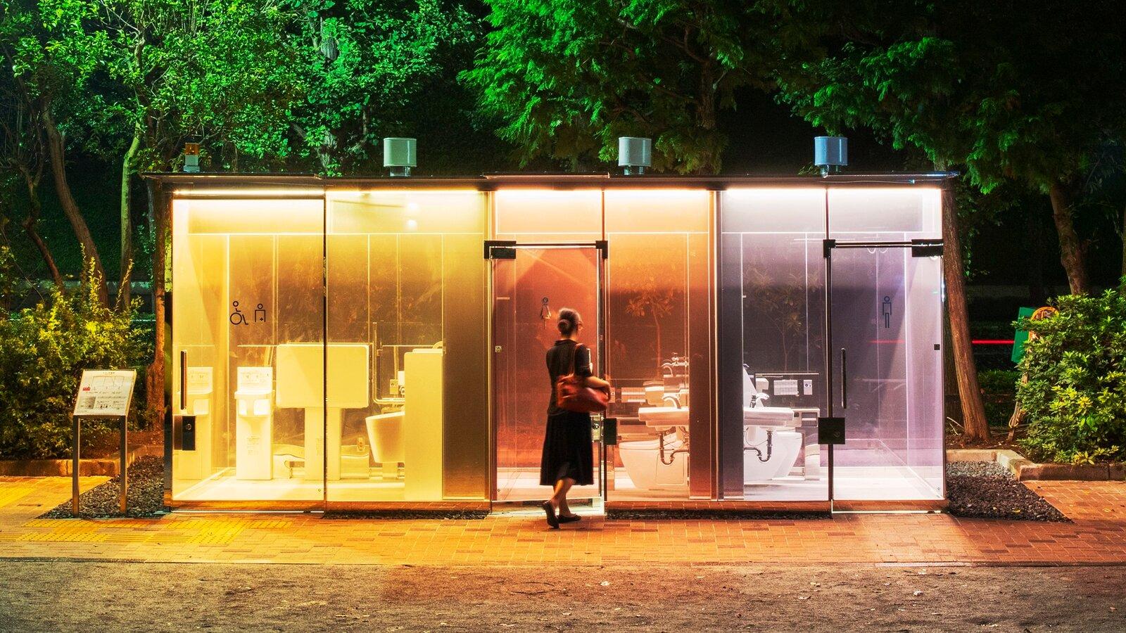 Прозрачные туалеты в Японии
