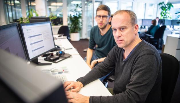 Немецкий фактчекер: СМИ должны готовиться к увеличению дипфейков