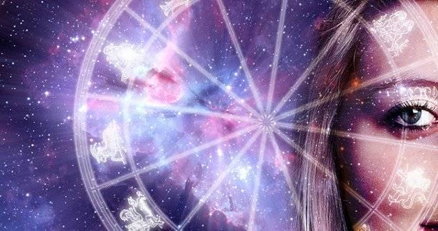 Астрологи назвали везунчиков ноября.