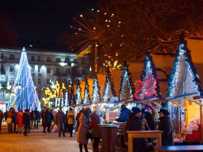 Рождественская ярмарка в Ивано-Франковске