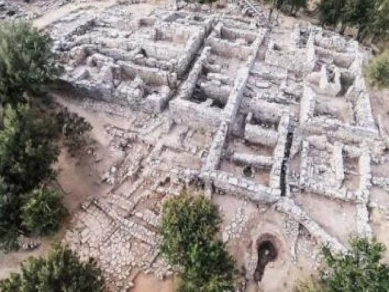 Раскопки на месте древнего дворца