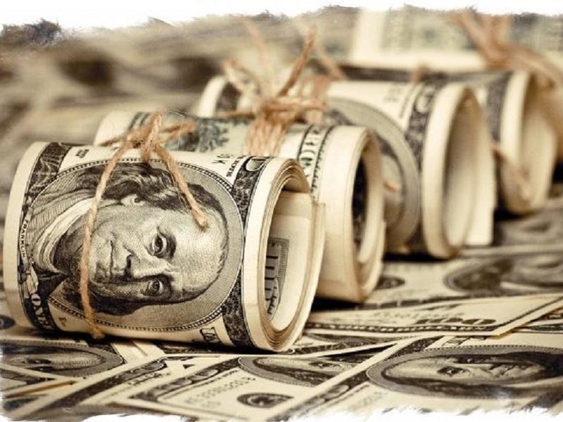 Денежные купюры, притягивающие богатство.