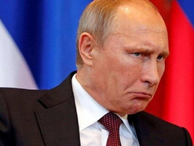 """Визитка Путина на """"Авито""""."""