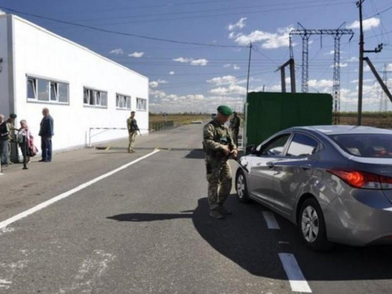 Трудности с въездом в Донецк через Еленовку.