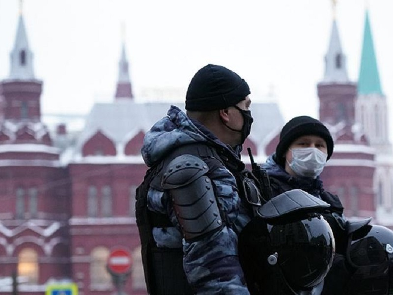 Диалог властей Кремля с протестантами.