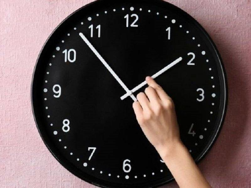 Перевод часов отменяется.