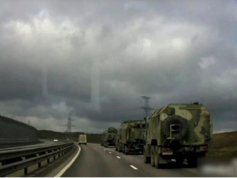 РФ перебрасывает новую технику в Крым и в Ростовскую область.