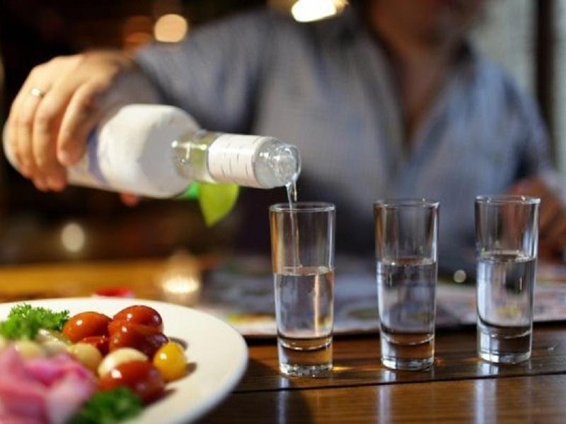 Дегустатор развеяла три главных мифа о водке.