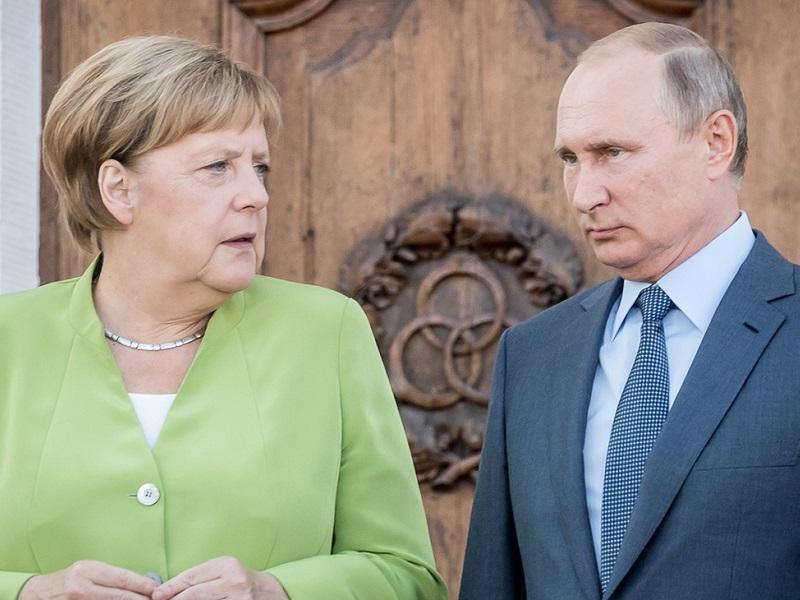 Путин жестко ответил на призыв Меркель.